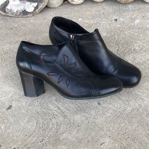 Arnold Churgin Black Leather Ankle Heeled boot